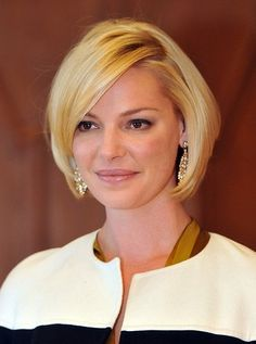 Katherine-Heigl-Short-Straight-Bob-Haircut-for-Women Popular Short Hairstyles for Women 2019 Bob Hairstyles With Bangs, Popular Short Hairstyles, Bob Haircuts For Women, Short Hair Cuts For Women, Cool Hairstyles, Medium Hairstyles, Hairstyle Ideas, Blonde Hairstyles, Fringe Hairstyles