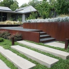 Steel Retaining Wall, Backyard Retaining Walls, Retaining Wall Design, Concrete Retaining Walls, Concrete Steps, Retaining Wall Steps, Fence Design, Modern Landscape Design, Modern Landscaping