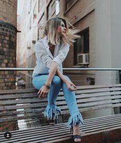Bom dia com uma das fotos que mais amo da vida! NY O combo que sempre é certeiro: jeans  camisa branca   @viegasjoao