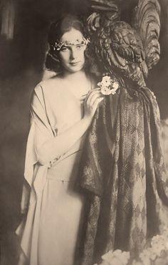 Princess Ileana of Romania, later Archduchess of Austria, Princess of Hungary, Bohemia and Croatia. Princess Victoria, Queen Victoria, Michael I Of Romania, Romanian Royal Family, Princess Alexandra, British Royal Families, Herzog, Kaiser, Ferdinand