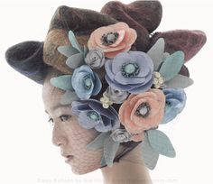 Daisy Balloon flower head dress by Rie Hosokai