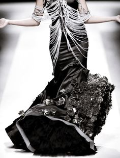 Haute Goth: Gert Johan Coetzee † #fashion #couture #hautecouture #hautegoth #gothicsensibility #GertJohanCoetzee