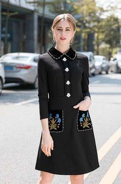 Westfront - Vestido Elegante Bordado - Westfront Business Dress Code, Business Dresses, Pink Outfits, Dress Outfits, Fashion Dresses, Black Crochet Top, Iranian Women Fashion, Sunday Dress, Calf Length Skirts