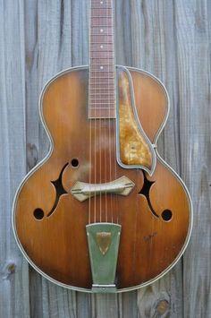 Calace Arch Top Guitar ca. 1938. Very Italian.