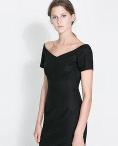 Simple v-neck black dress from Zara V Neck Dress, Dress Skirt, Zara Women, Playing Dress Up, Clothing Items, Frocks, What To Wear, Short Sleeve Dresses, Clothes For Women
