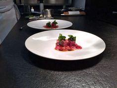 """""""Carne de Kobe A5 con lechuga marina y caviar"""" by Enrico Croatti. Reservas ► 965 83 79 33  #cartadeverano #Orobianco #OrobiancoCalpe #RestauranteOrobianco #Calpe #Ristorante #ComidaItaliana #Gastronomía #RestauranteItaliano #RestauranteCalpe #EnricoCroatti #ComerenCalpe #RestaurantesCalpe"""
