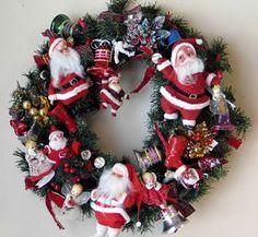 Wreath made of funky 1950s Santas (Photo by Cheryl-Anne Millsap)