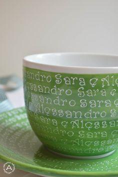 Grande tazza per la colazione dipinta e personalizzata a mano per una cliente
