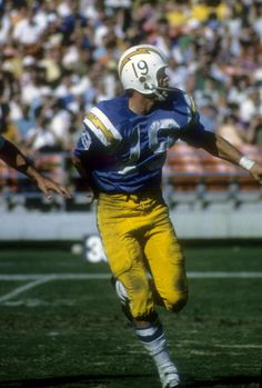 Lance Alworth Catching Fred Dryer, NY ...