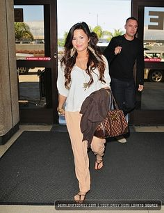 2011 > Departs from LAX Airport