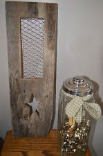 PRIMITIVE BARN BOARD WOOD WALL PLAQUE CHICKEN WIRE STAR GREAT HOME DECOR