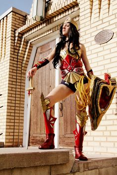 Wonder Woman Cosplay http://geekxgirls.com/article.php?ID=6410