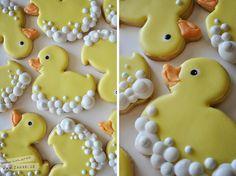 Baby Shower Cookies…those are the cutest cookies I've ever observed! I Baby Shower Cookies … das sind die süßesten Kekse, die ich je gesehen habe ! Fancy Cookies, Iced Cookies, Cut Out Cookies, Cute Cookies, Easter Cookies, Royal Icing Cookies, Cookies Et Biscuits, Cupcake Cookies, Birthday Cookies