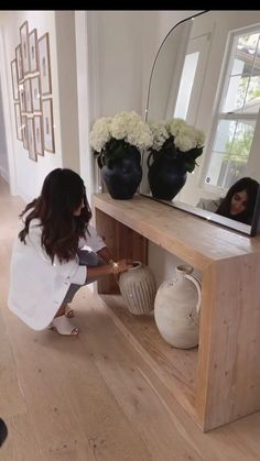 Bedroom Closet Design, Home And Living, Living Rooms, Farmhouse Design, Pottery Vase, Ceramic Vase, Modern Rustic, Console Table, My Dream Home