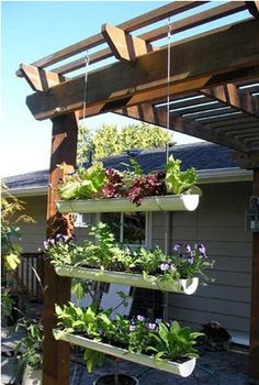 Garden & Landscaping : Inspiring small garden gutter garden design with crops by using the pipe cut in half and made hanging to utilize the narrow space picture - a part of Design A Small Place To Grow A Variety Of Plants That Easily Treated Dream Garden, Home And Garden, Diy Garden, Porch Garden, Garden Oasis, Garden Pond, Shade Garden, Garden Diy On A Budget, Terraced Garden