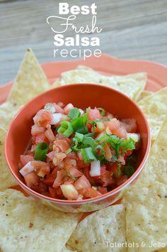 My Favorite Pico De Gallo Recipe! - Tatertots and Jello Healthy Snacks, Healthy Eating, Healthy Recipes, Savoury Recipes, Healthy Sides, Top Recipes, Eating Clean, Sauce Recipes, Yummy Recipes