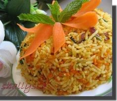 Carrot Ginger Rice - One of my favorite carrot side dishes of all time! Rice Recipes, Indian Food Recipes, Vegetarian Recipes, Cooking Recipes, Ethnic Recipes, Easy Recipes, Carrot Rice Recipe, Veg Pulao, Biryani
