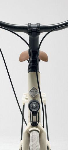 Hermès Launches Two Ultra-lightweight Luxury Bicycles | http://www.yatzer.com/le-flaneur-d-Hermes-bicycle // photo by Grégoire Alexandre, ©Hermès, Paris, 2013.