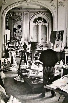"""Picasso in his studio villa """"la californie"""". LOVE THOSE PANTS!!!"""