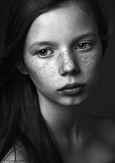 Freckles - Portrait - Black and White Photography Foto Portrait, Portrait Studio, Woman Portrait, Female Portrait, Black And White Portraits, Black And White Photography, Freckle Face, Portrait Inspiration, Girl Inspiration