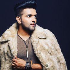 Do me favour,please don't do me a favour! Hardy Sandhu, Guru Pics, My Lynn, Blur Background Photography, Cute Boy Photo, Love Guru, Love Husband Quotes, Celebrity Faces, Grown Man