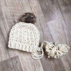 Crochet Projects free crochet pattern chunky hat / crochet beanie pattern / free crochet patterns / super bulky crochet pattern / modern crochet / adult hat crochet pattern / wool and the gang yarn / fur pom pom hat Chunky Crochet Hat, Beau Crochet, Bonnet Crochet, Crochet Beanie Pattern, Chunky Yarn, Crochet Patterns, Hat Patterns, Knitting Patterns, Crocheted Hats
