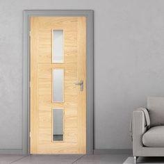 Bespoke Sofia 3L Oak Door with Clear Safety Glass - Prefinished.    #glazeddoor #moderndoor #bespokedoor #interiordesign #moderninterior #oakdesign