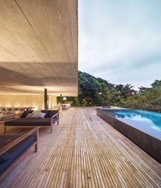 studio mk27 (@studiomk27) • Fotos e vídeos do Instagram School Architecture, Architecture Details, Brazilian Rainforest, Studio Mk27, Engagement Solitaire, Infinity Pool, Jungle House, Monochromatic Color Scheme, Inside Outside
