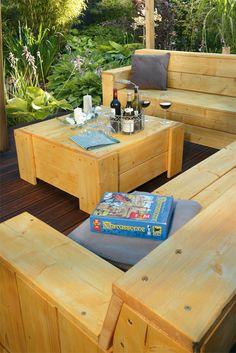 #Holztisch selber bauen! Die passende Anleitung gibt's natürlich bei uns. Also, nachbauen und zeigen! #DIY