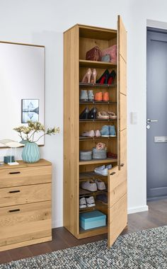 Organising the hallway – concepts for small rooms 2020 - Hallway Ideas Foods With Calcium, Good Foods For Diabetics, Small Rooms, Fruits And Veggies, Pin Collection, Tall Cabinet Storage, Stuff To Do, Organization, Style Inspiration