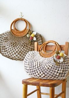 Marvelous Crochet A Shell Stitch Purse Bag Ideas. Wonderful Crochet A Shell Stitch Purse Bag Ideas. Crochet Handbags, Crochet Purses, Crochet Bags, Cheap Home Decor Stores, Granny Square Bag, Macrame Purse, Crochet Shell Stitch, Home Decor Pictures, Knitted Bags