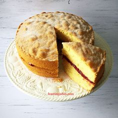 FF Victoria Sponge Cake sandwiched together with freshly made raspberry jam, recipe included in post. Victoria Cakes, Victoria Sponge Cake, Homemade Raspberry Jam, Bowl Cake, Sponge Cake Recipes, Baking Tins, Jam Recipes, Savoury Cake, Mini Cakes
