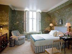 de Gournay in the bedroom of Jeffrey Bilhuber