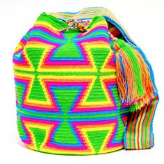Cabo Wayuu Mochila bags are intricate in their designs, can take approximately 15 days to weave. Handmade in South America by the indigenous Wayuu people. Tapestry Bag, Tapestry Crochet, Neon Accessories, Afghan Blanket, Clutch Purse, Crochet Patterns, Bag Patterns, Purses And Bags, Hand Weaving