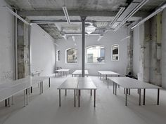 Warehouse transformation into Visual Arts School  / Matthieu Place  + Thomas Raynaud