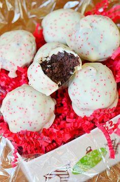 Peppermint-Oreo-Bites-3-from-willcookforsmiles.com-peppermint-oreo-429x650