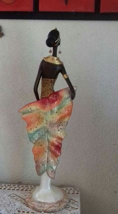 African Women, African Art, African Figurines, African Sculptures, Pasta, Statue, Painting, Ideas, Bottle Crafts