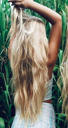 ohhh i wonder if I ever could have this lenght of hair. Would it be possible? Or would my ends break and break?