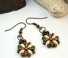 Super Duo beads. Could be made with Chexx too, I suppose. #SuperDuo #SeedBeads