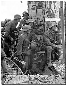 Unseen large pictures from the Battle of Stalingrad.