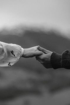 The emotional and sweet Scottish Highlands Wedding of Jordan and Trevor captured by Scotland Wedding Photographer The Kitcheners. Photo Couple, Love Couple, Couple Shoot, Couple Goals, Couple Aesthetic, White Aesthetic, Hand Photography, Couple Photography, Cute Relationship Goals