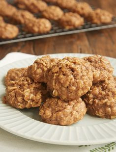 The sweet, spiced flavor of apple butter makes these soft, chewy Apple Butter Oatmeal Cookies wonderfully delicious! - Bake or Break