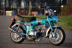 Honda DAX blue
