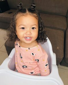Clothes Cute Girls Kids Ideas For 2019 Mixed Baby Hairstyles, Easy Toddler Hairstyles, Cute Little Girl Hairstyles, Cute Hairstyles For Kids, Curly Hair Baby, Girl Hair Dos, Mix Baby Girl, Foto Baby, Hair Styles
