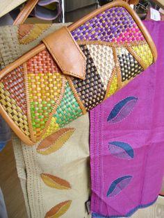 Elaborados en Filipinas por SAFFY Handicrafts. http://comerciojusto.tallerdesolidaridad.org/