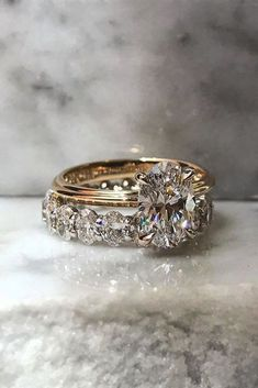 18 Oval Engagement Rings That Every Girl Drems ❤ oval engagement rings rose gold center oval diamond wedding band ❤ More on the blog: ohsoperfectpropos...