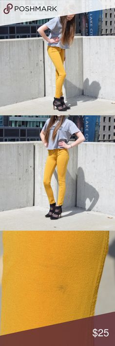 Yellow Fitted Pants! Very soft & stretchy yellow fitted pants! Slight dark smudge (as shown on picture), but hardly noticeable! Pants Skinny