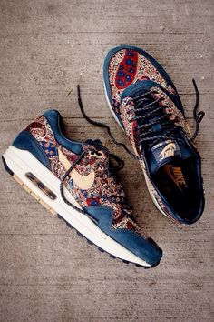 Shoes: flowers flower pattern nike nike air nike sneakers girls sneakers blue navy nikes running