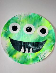 Resistance Is Futile! Alien Crafts That Are Out-of-This-World Halloween Activities, Halloween Projects, Halloween Themes, Halloween Crafts, Fall Preschool, Preschool Crafts, Monster Party, Monster Mash, Coffee Filter Art