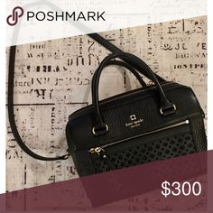 Black Leather Kate Spade Purse ♠️ This purse has been used but is in great condtion!! Crossbody strap, pockets, gold zipper detailing. kate spade Bags Crossbody Bags
